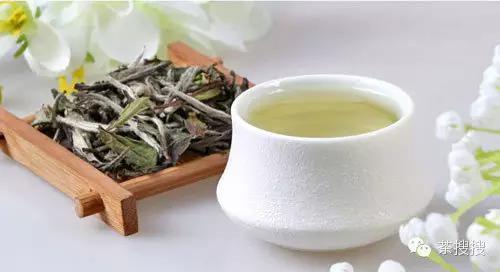 белый чай с питахайей