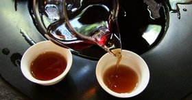 Brewing Pu'er and Dark Tea in a Teapot
